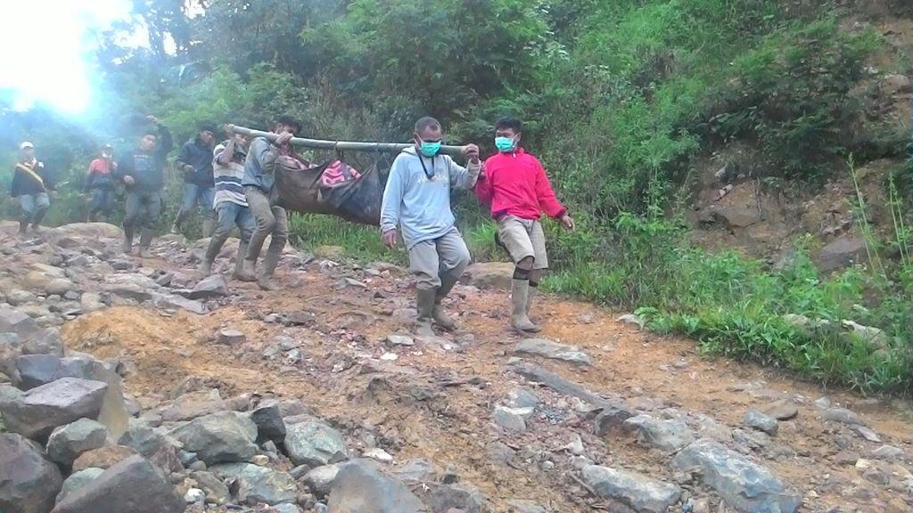 Cerita tentang Teriakan Tolong dalam Evakuasi Korban Longsor Gunung Pongkor