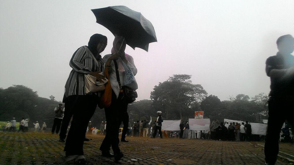 Hujan Mengguyur setelah Salat Istisqa, Warga Kota Bogor Teriakkan Takbir