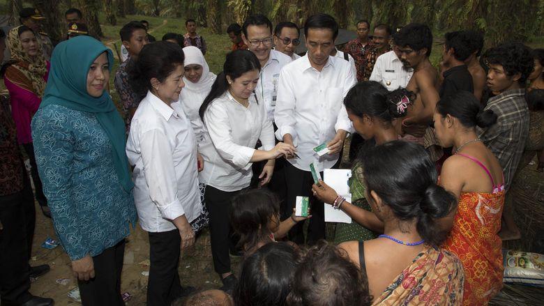 Menko PMK: Semua Menteri Bekerja Keras Untuk Warga Korban Asap