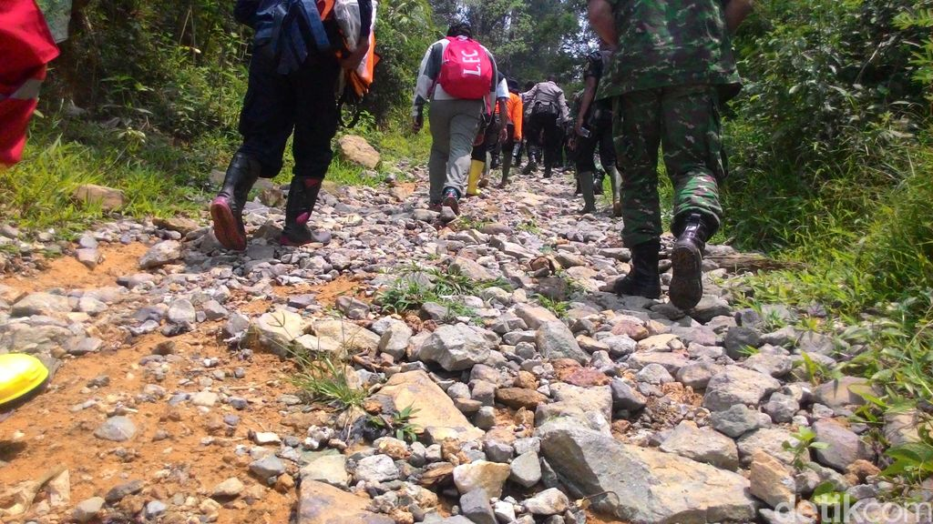 7 Gurandil Menyelundup Masuk ke Area Tambang Emas Antam di Bogor