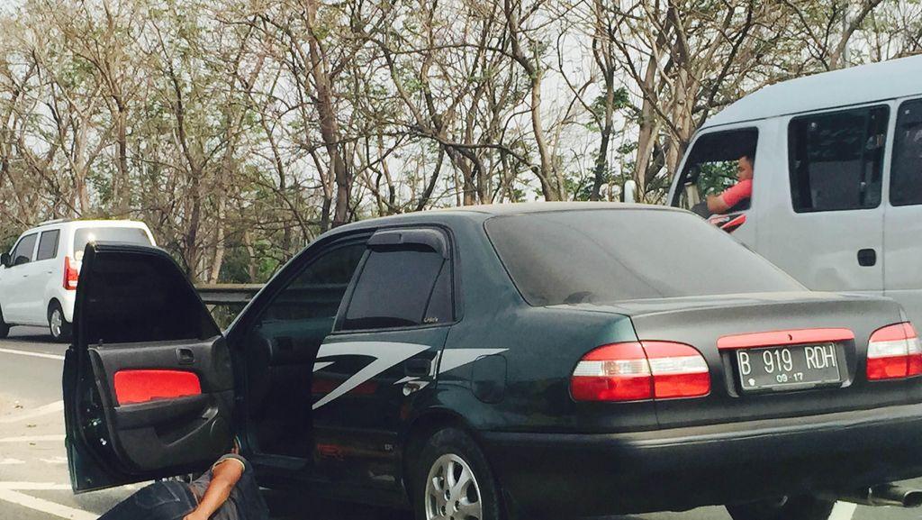 Pria yang Berbaring di Tol JORR Arah Pondok Indah Sudah Dievakuasi