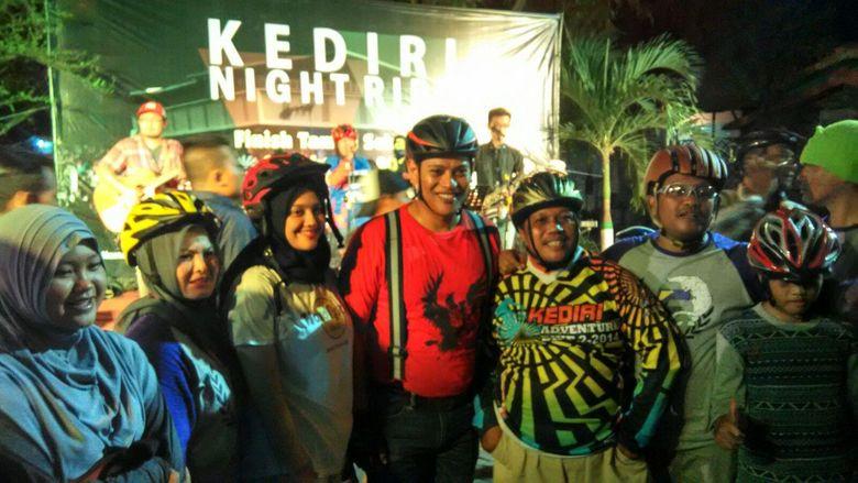 Cegah Aksi Kebut-Kebutan, Wali Kota Kediri Giatkan Bersepeda Malam