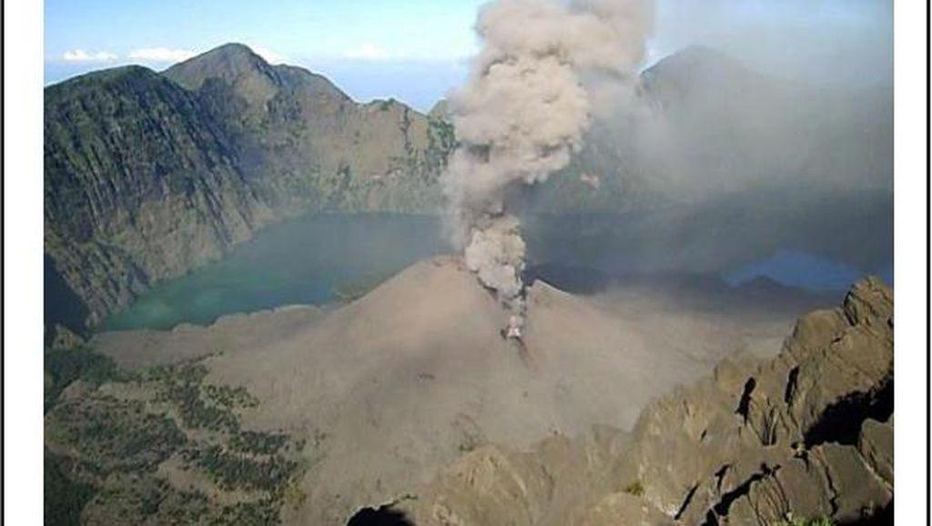 Anak Gunung Rinjani Meletus, Semburkan Abu Vulkanik Setinggi 2 Km