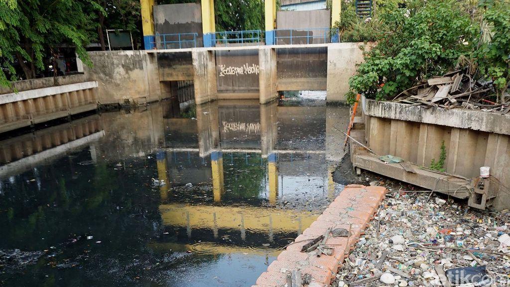 Ada Kenaikan Tinggi Air, BPBD Imbau Warga Pesisir Jakut Waspadai Banjir Rob