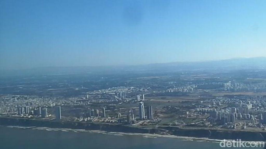 Melihat Wilayah Israel dan Palestina dari Udara