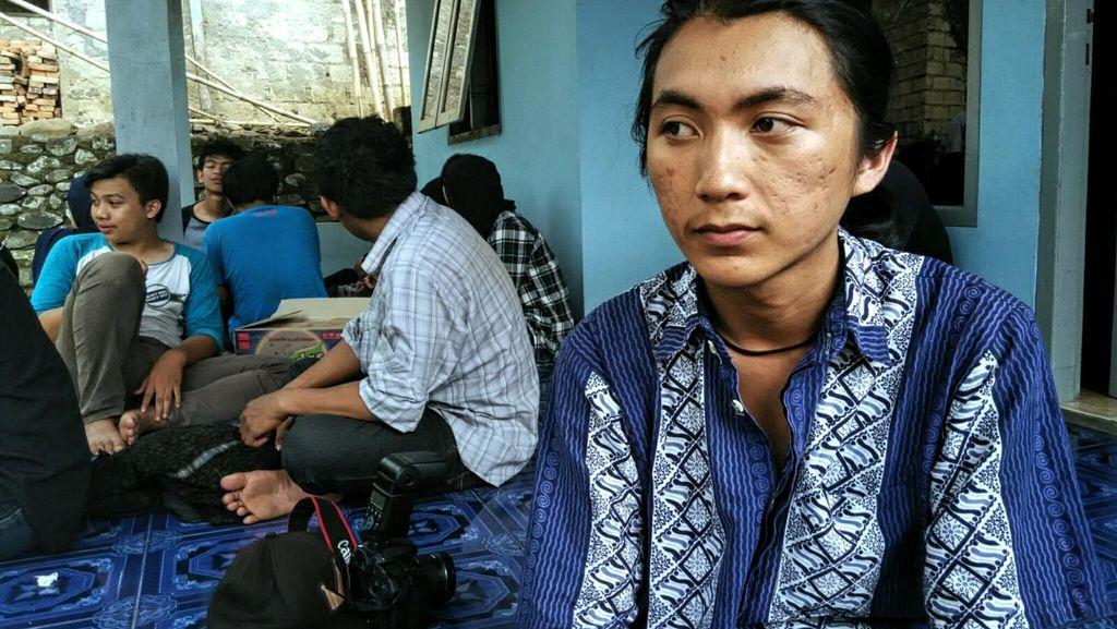 Cerita Pacar Soal Perjalanan Maut Delea dan Pria Misterius di Kolam Renang