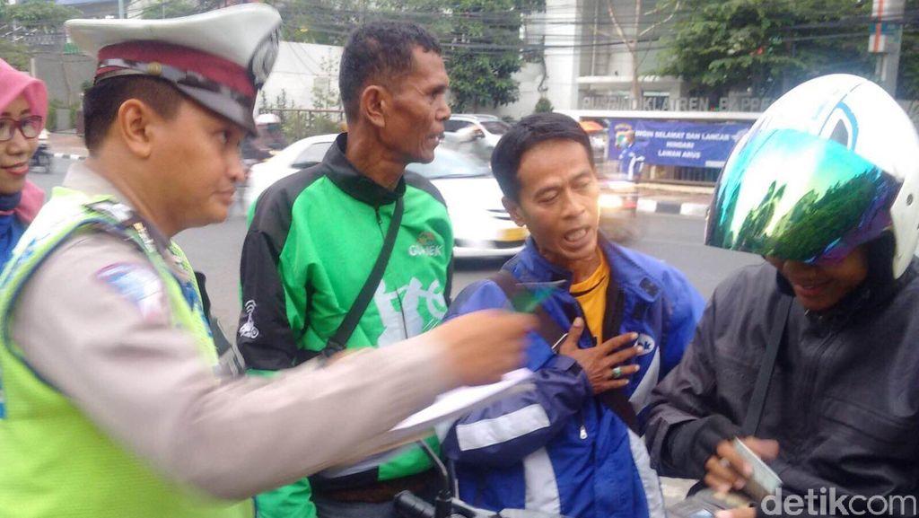 Pemotor Lawan Arus di Jl Proklamasi Ditindak Polisi, Go-Jek Dilibatkan