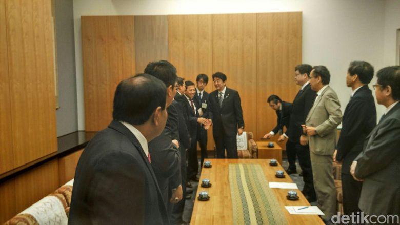 DPR dan PM Jepang Berbincang Soal Laut China Selatan Hingga Alutsista