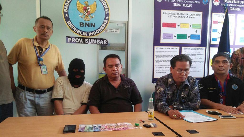 Oknum Ketua Organisasi Wartawan di Sumbar Ditangkap karena Simpan Sabu