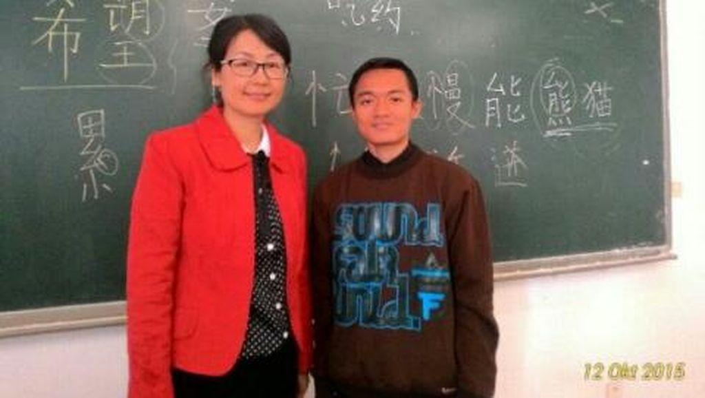 Kegigihan Alan Teo, Pinjam Buku untuk Lomba hingga Akhirnya Kuliah di China