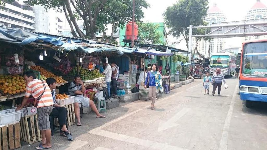 Bernostalgia di Pasar Buku Senen, Tempat Buku Segala Ada di Jakarta