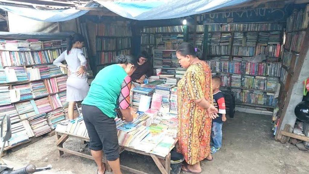 Pasar Buku Senen Masih Terus Berusaha Hidup, Mempertahankan Legendanya