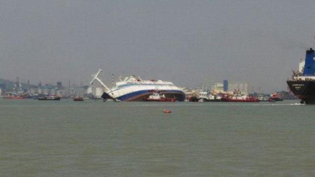 Tabrak Karang, Kapal Sea Princes yang Angkut 90 Penumpang Karam di Batam