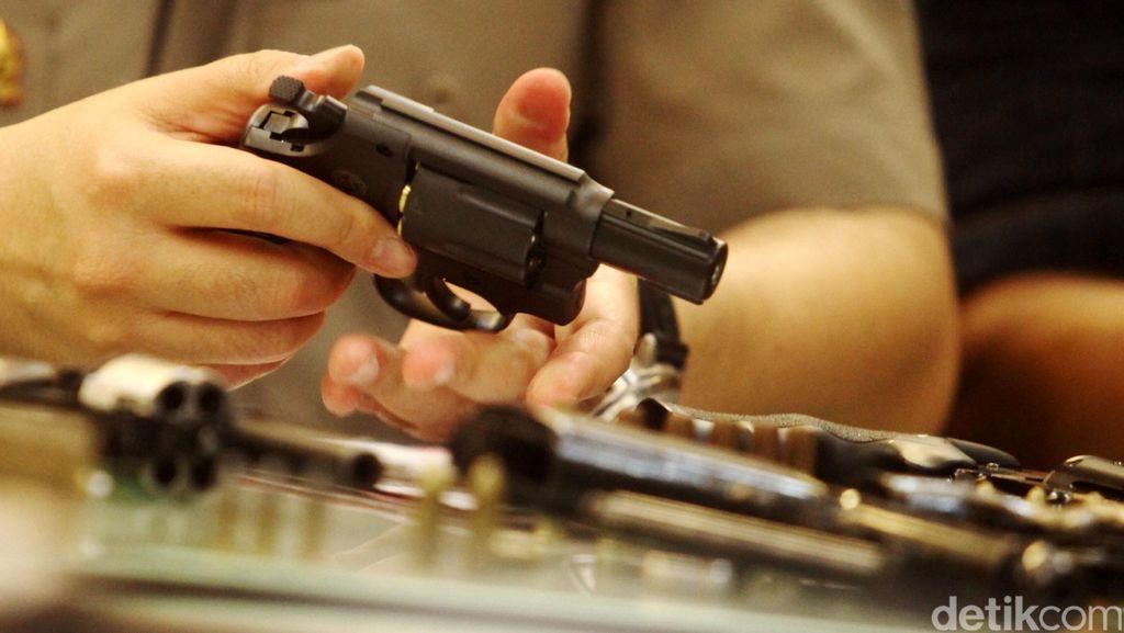 Polisi Sita 2 Pucuk Pistol dari DJ Pengedar Happy Five