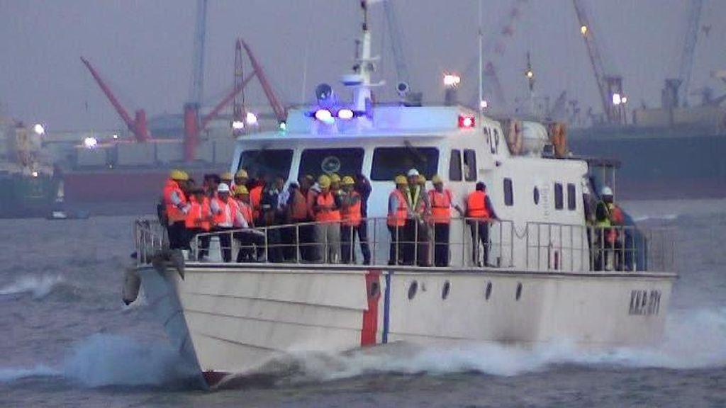 Komisi V DPR Tinjau Lokasi Tenggelamnya KM Wihan Sejahtera