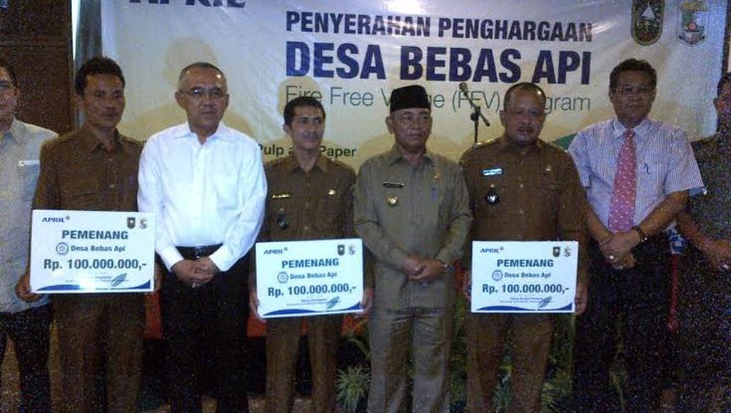 Di Riau Desa Tanpa Kebakaran Lahan Terima Reward Rp 100 Juta