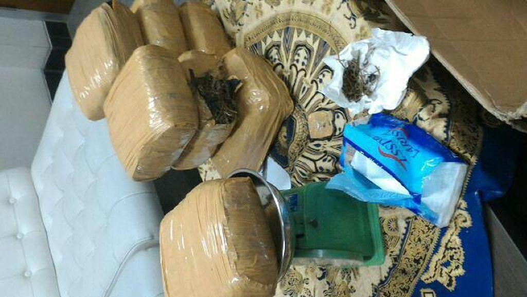 Ganja 7,3 Kg Dicampur Onderdil Motor Ditemukan di Bandara Kualanamu