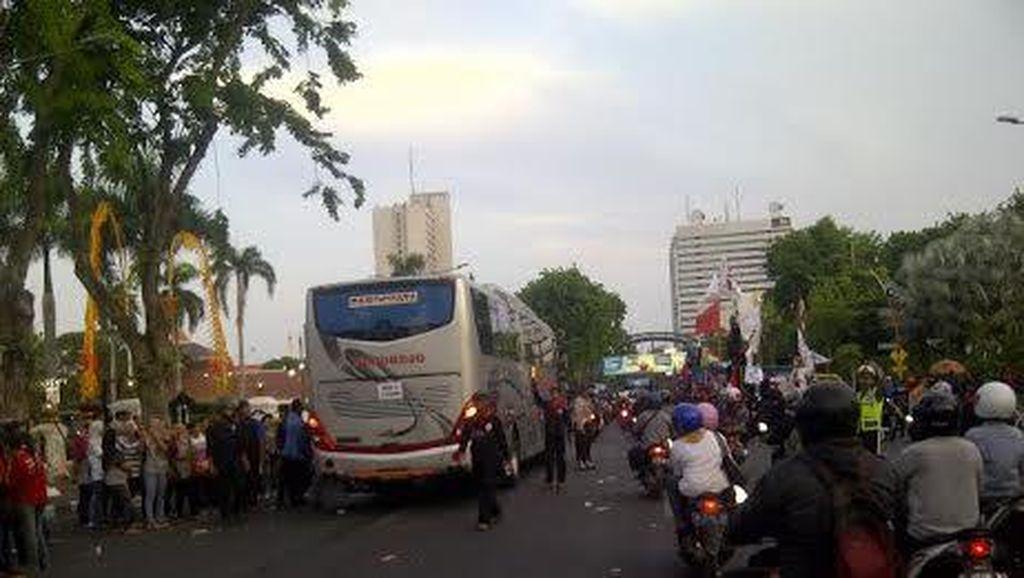 Demo Buruh Bubar, Arus Lalu Lintas Gubernur Suryo Mulai Lancar