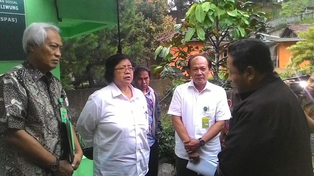 Antisipasi Banjir, Menteri Siti Sidak ke Pemantau Aliran Sungai di Bogor