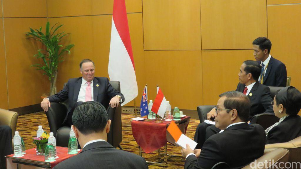 Bertemu di Malaysia, Jokowi dan John Key Bahas Pasar dan Penanganan Terorisme