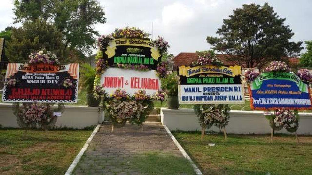 Pakualam IX Dimakamkan Hari Ini, Jokowi dan Para Petinggi Beri Karangan Bunga