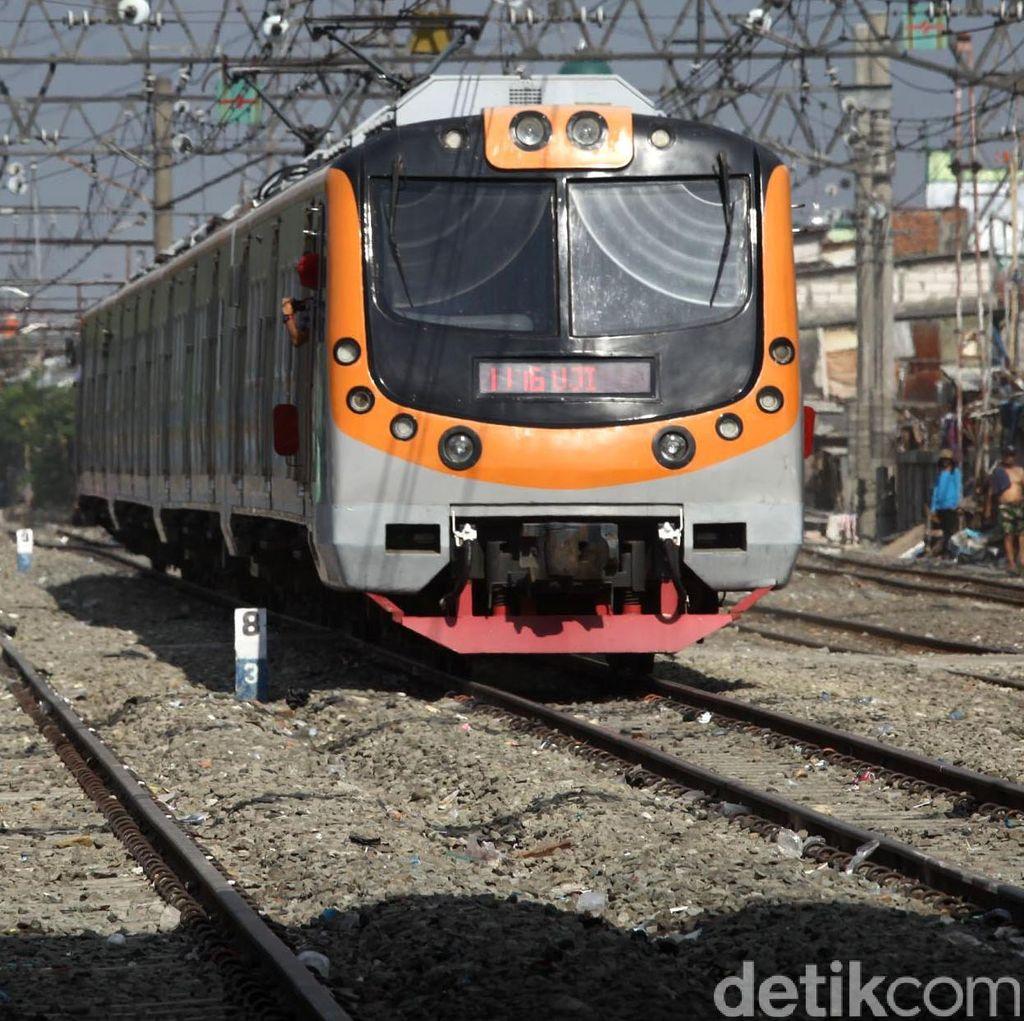 KRL Bogor-Jakarta Sudah Beroperasi Normal Tetapi Melambat di Stasiun Citayam