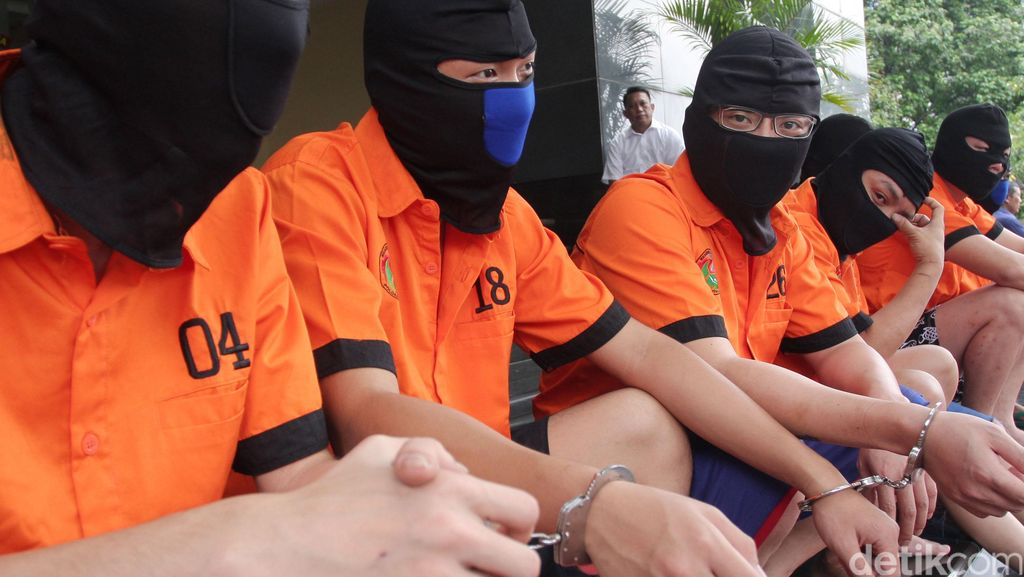 3 WN Hong Kong Penyelundup 49 Kg Sabu Lolos dari Hukuman Mati