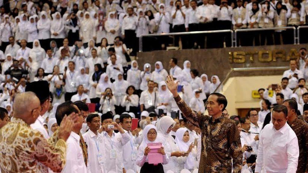 Jokowi di Depan Ribuan Guru: Saya Bisa Jadi Presiden Berkat Kalian