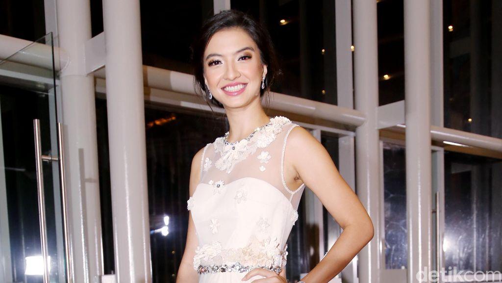 Raline Shah, Lovely in White