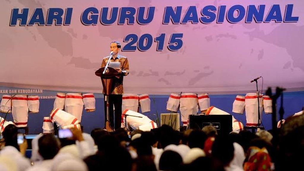 Di Depan Ribuan Guru, Jokowi: Banyak yang Enggak Percaya Kalau Saya Pandai