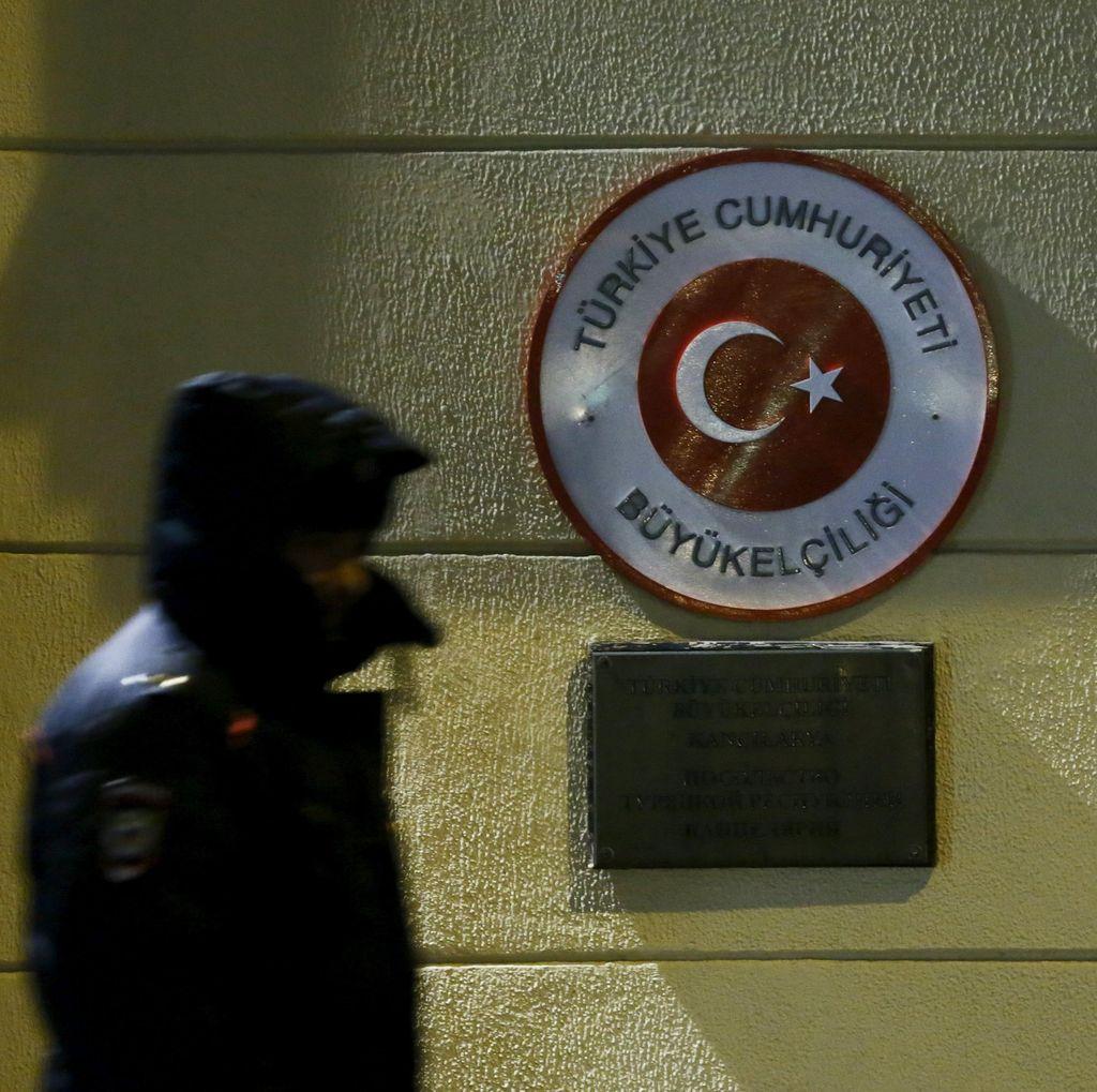Rusia Tangguhkan Bebas Visa untuk Warga Turki Mulai 1 Januari