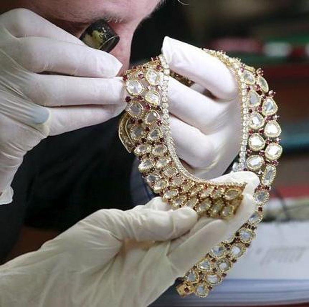 Berlian Pink Harta Sitaan dari Marcos, Mantan Penguasa Filipina Akan Dilelang