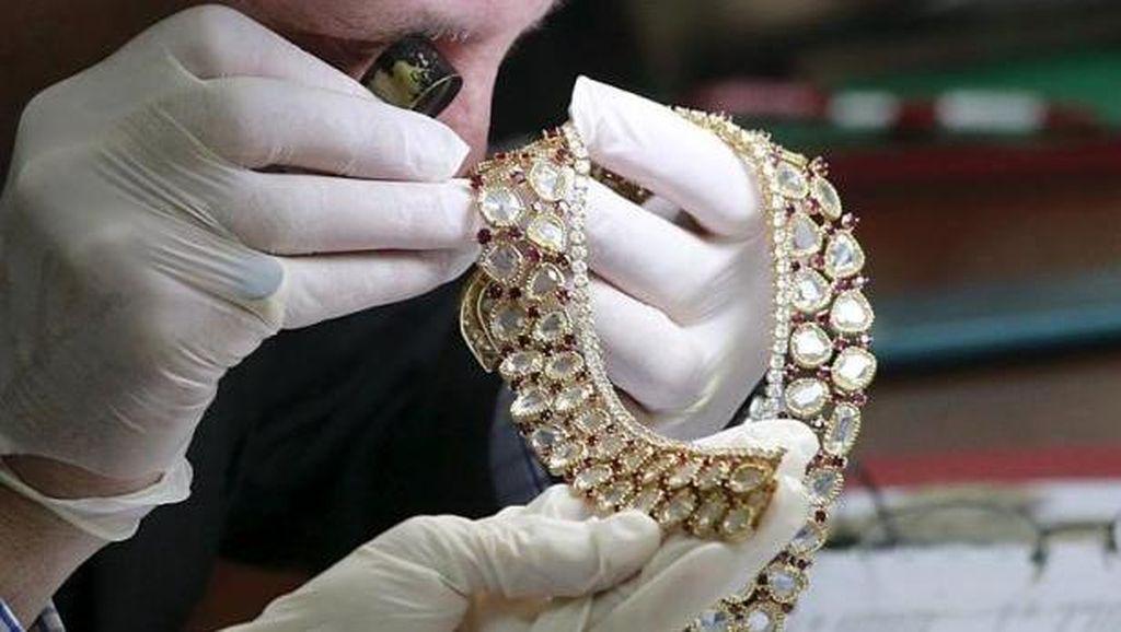 Berlian Pink Harta Sitaan dari Marcos Mantan Penguasa Filipina Akan Dilelang
