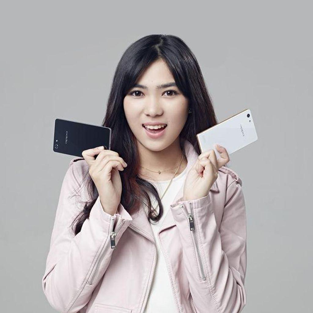 Desain Smartphone Seperti Apa yang Disukai Isyana Sarasvati?