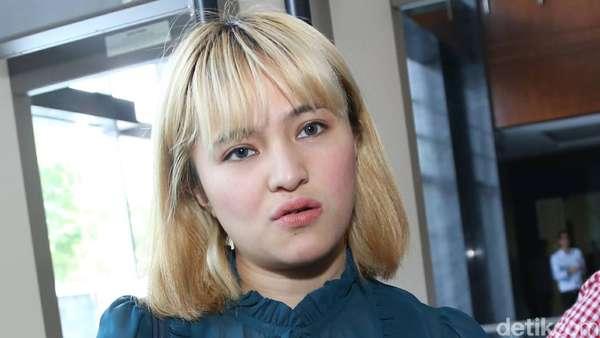 Marshanda Eksis Berambut Pirang, Yay or Nay?