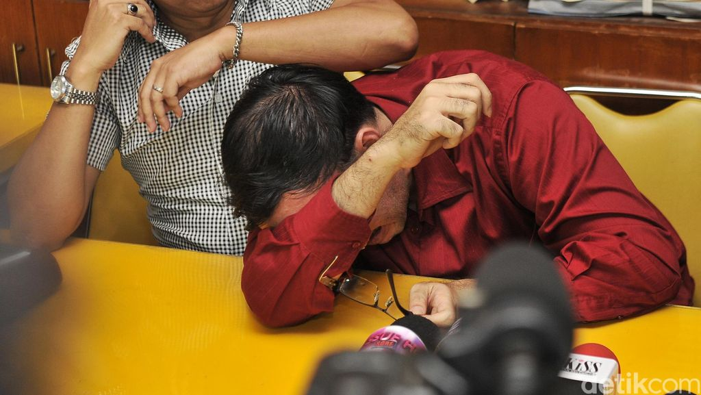 Tersandung Investasi Bodong, Sandy Tumiwa Resmi Ditahan