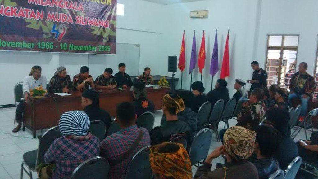 Organisasi Sunda Kumpul di Markas AMS Tunggu FPI Jabar Soal Sampurasun