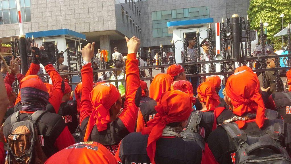 Puluhan Ribu Buruh Akan Kepung Istana Sabtu 6 Februari, Dilarang Long March