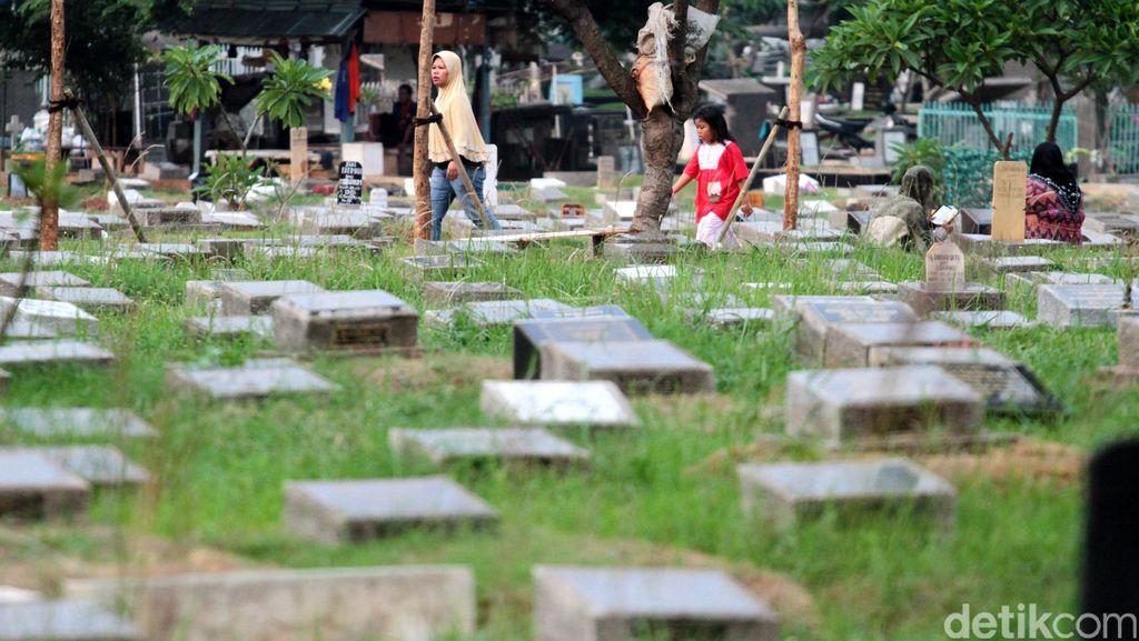 Diancam Dipecat oleh Ahok, Kadis Pemakaman Pasrah