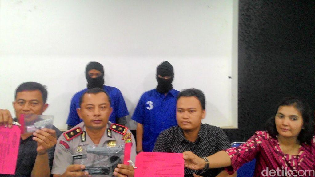 Polisi Tangkap Dua Tukang Parkir yang Bawa Airsoft Gun dan Narkotika