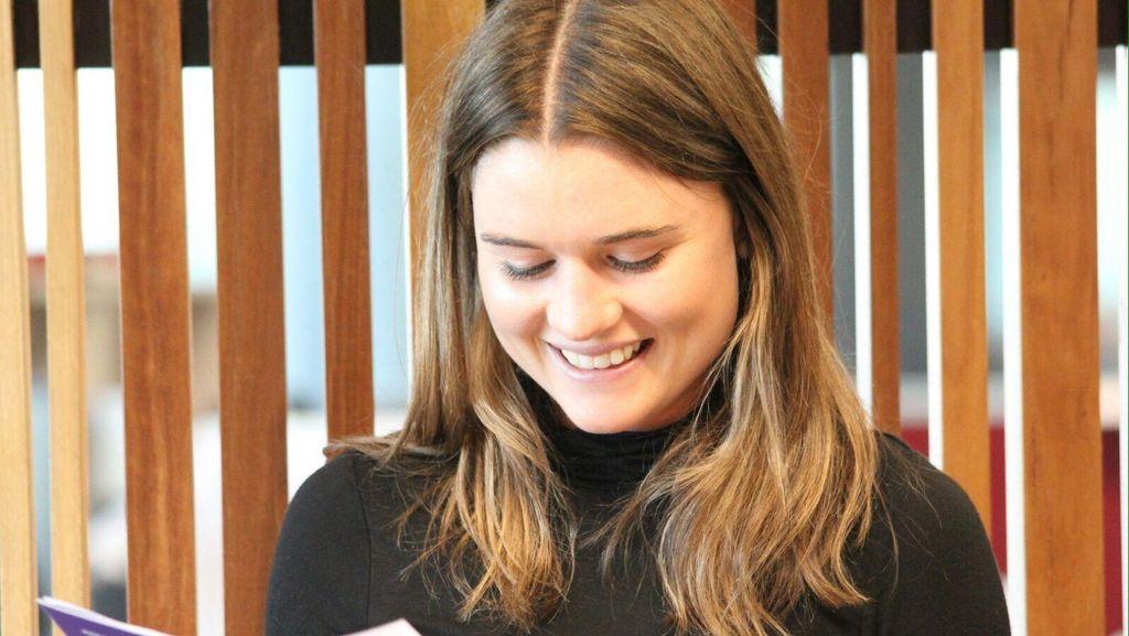 Gadis Manis Australia Ini Minta Dipanggil Mbak Nur