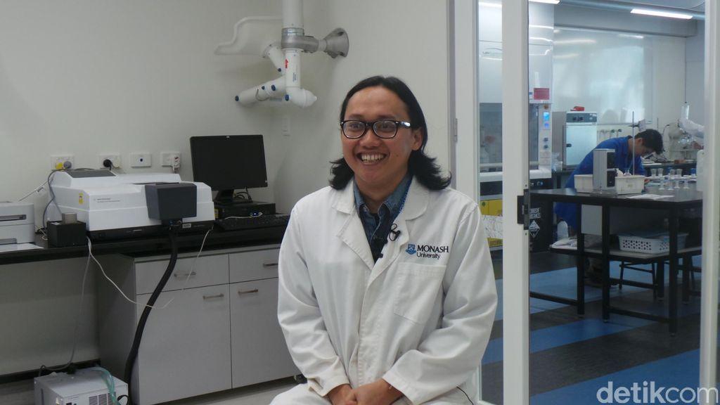 Perjuangan Ponco, Ilmuwan Muda Peneliti Material Tabung Gas di Monash