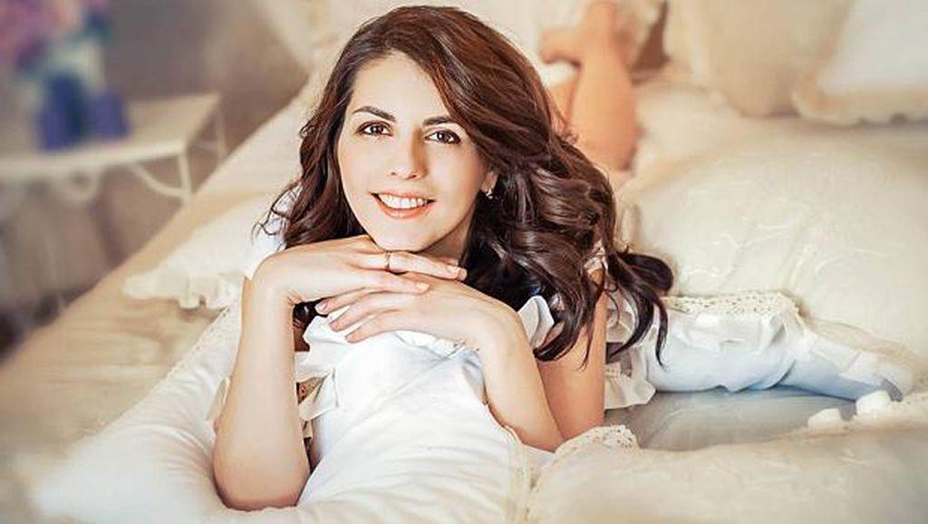 Tewas Akibat Ledakan, Politikus Cantik Rusia Tak Akur dengan Suami