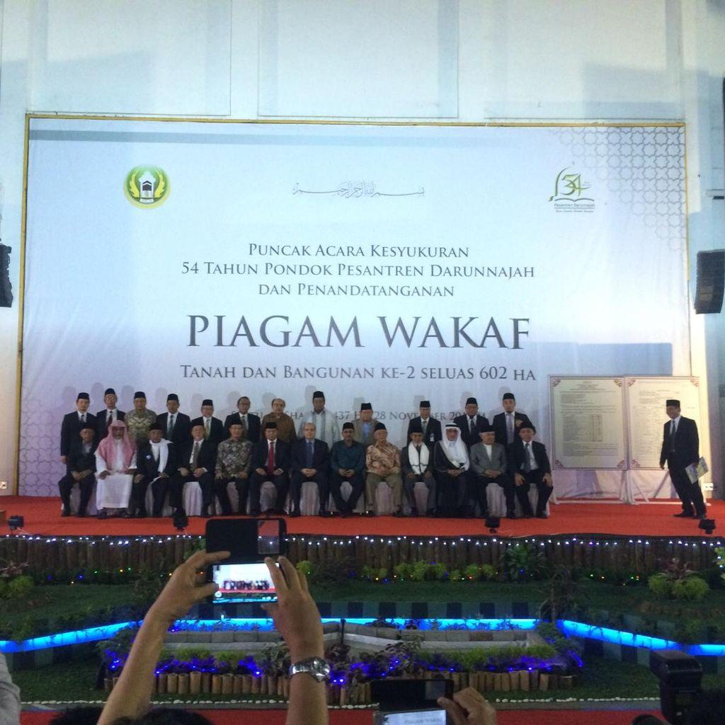 Jadi Saksi Wakaf Ponpes Darunnajah, JK: Orang Jakarta Juga Haus Keimanan