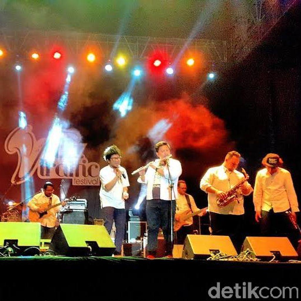 Shir Kunto Aji di Jazz Traffic Festival, Lautan Jomblo Histeris