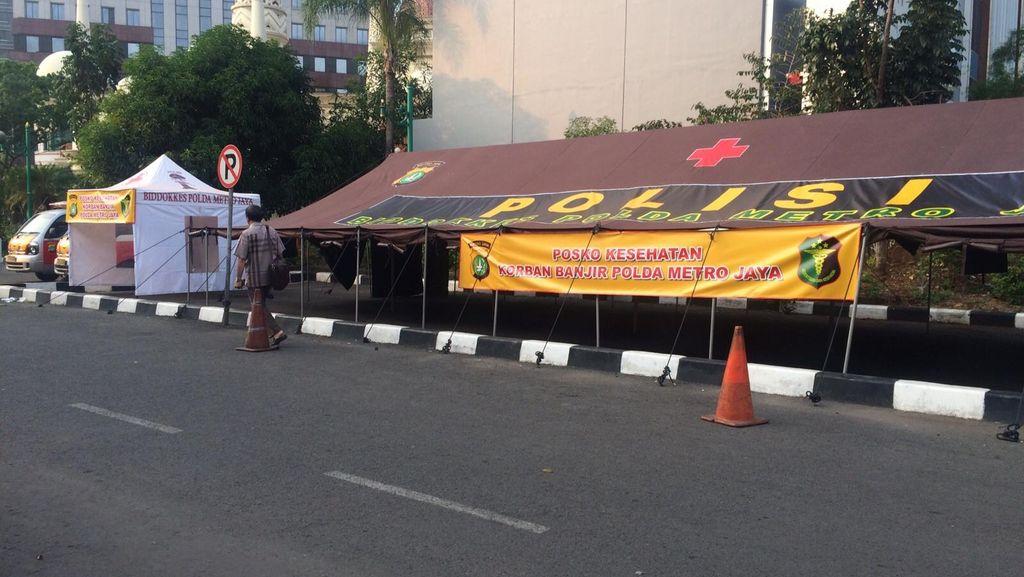 Polda Metro Siagakan Posko Kesehatan di Lokasi Rawan Banjir
