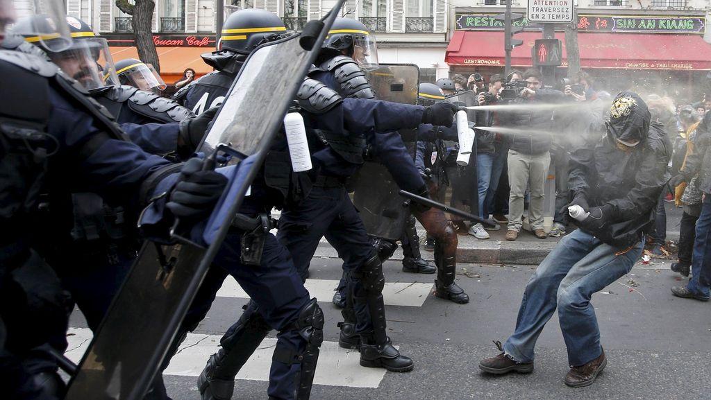 Demonstrasi Perubahan Iklim di Paris Rusuh, Polisi Tangkap 208 Orang