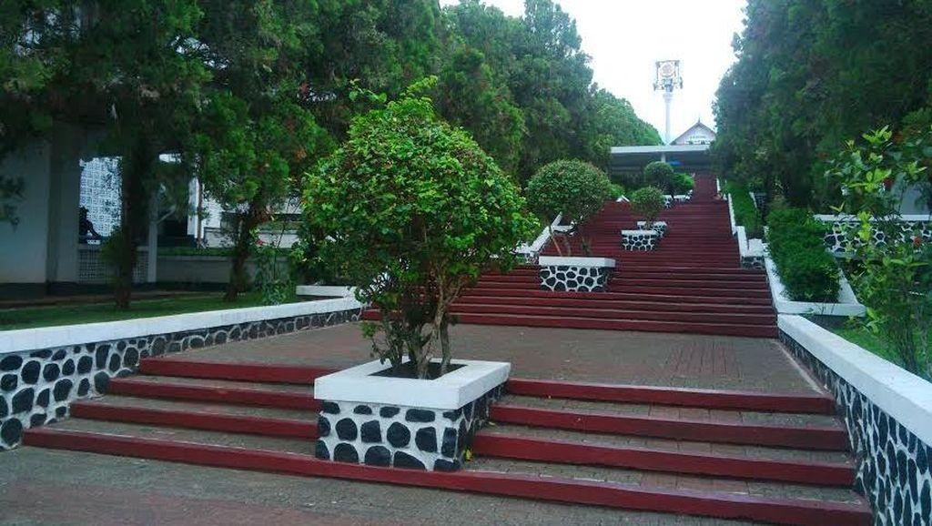 Kasus Pemukulan, IPDN: Silakan Saja Foto di Tangga, untuk Prewedding Boleh