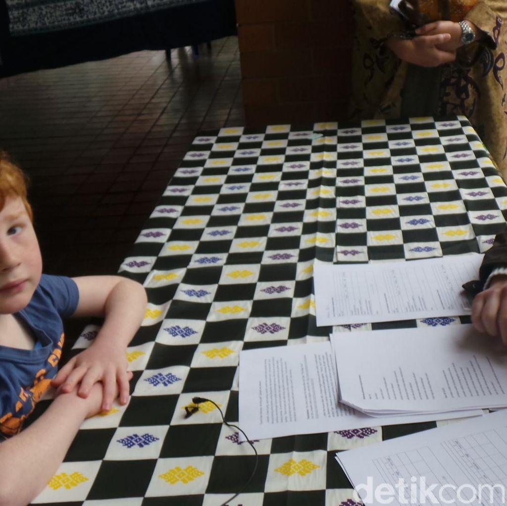 "Kala Remaja Australia Belajar Bahasa Indonesia: ""Papa...Sapi"""