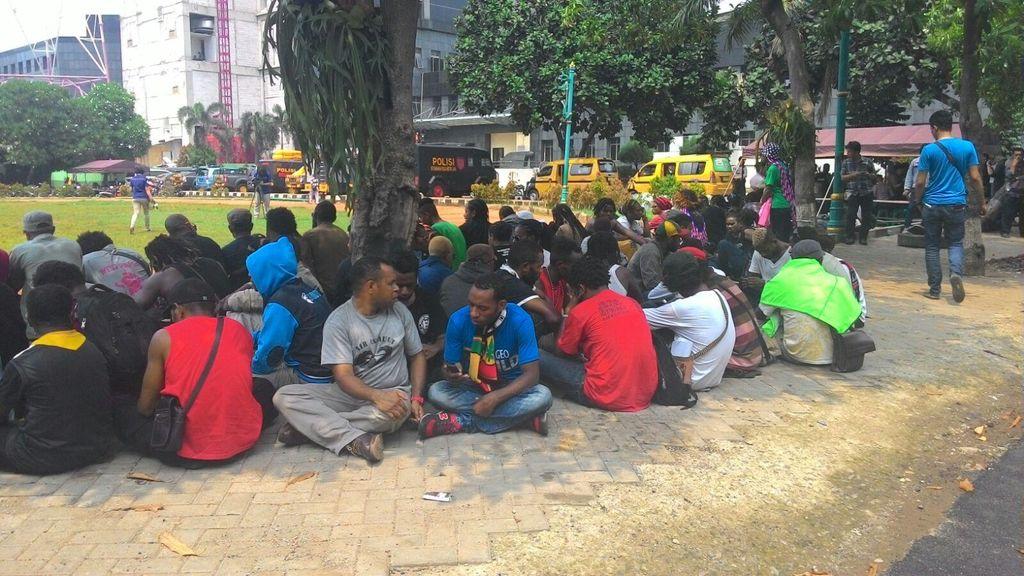 Pendemo Asal Papua Diamankan Karena Bawa Bendera Bintang Kejora dan Pisau